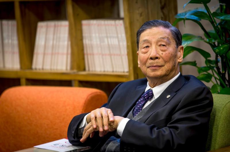 慎防左的干扰阻碍中国发展