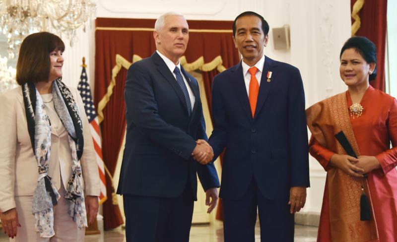 美副总统访印尼寻求双赢