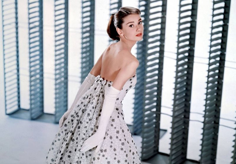 【永恆時尚經典】從柯德莉夏萍絕美造型 懷念 Hubert de Givenchy