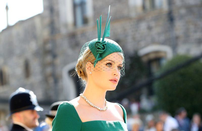 【英國王室「靚表妹」】時尚界新寵兒!戴安娜侄女 Lady Kitty Spencer 精緻造型