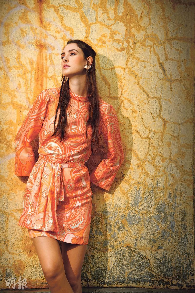 Showcase﹕用色炫目  寬鬆隨意  度假風吹起印花裙