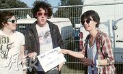 Emma meets the Wombats, and asks them to campaign for Wateraid.