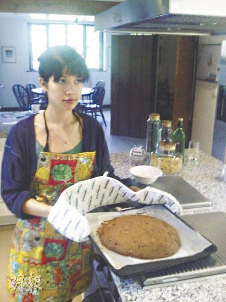 Baking a giant apple and chocolate chip cookie.