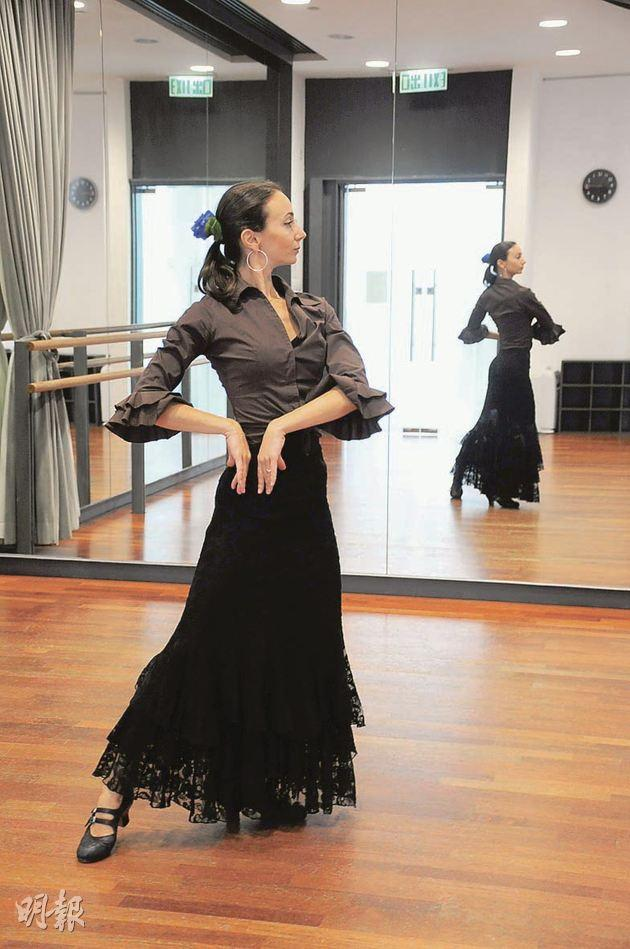 There is no standard costume for flamenco, but ruffles are common in flamenco dresses.