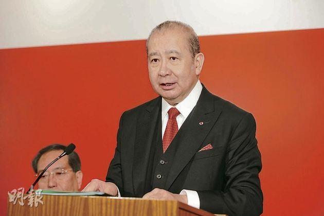 東亞主席李國寶(圖)在股東大會上稱,梁振英上場不會影響東亞業務發展。(尹錦恩攝)