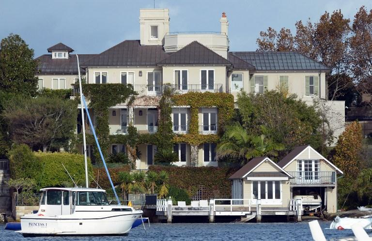 "Sydney harbour-front mansion ""Altona"" is shown in the prestigous suburb of Point Piper near Sydney, Australia on May 2, 2013. AFP Photo"