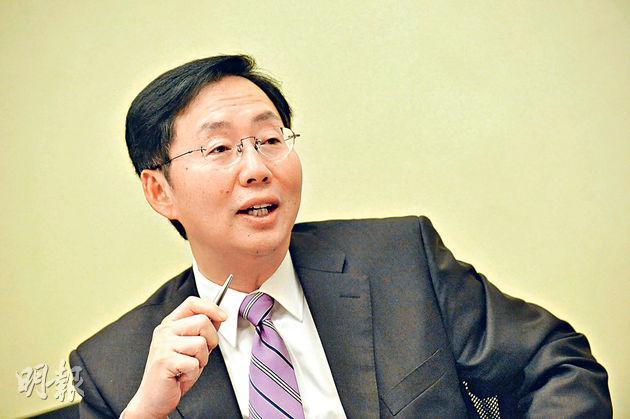 保險界立法會議員陳健波(圖)料自願醫保保費高過政府預計的3600元,憂難吸引人投保。(資料圖片)