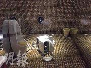 湖北赤壁女子聲稱在KTV如廁時馬桶爆裂令她受傷送院。圖為意外現場。(網上圖片)