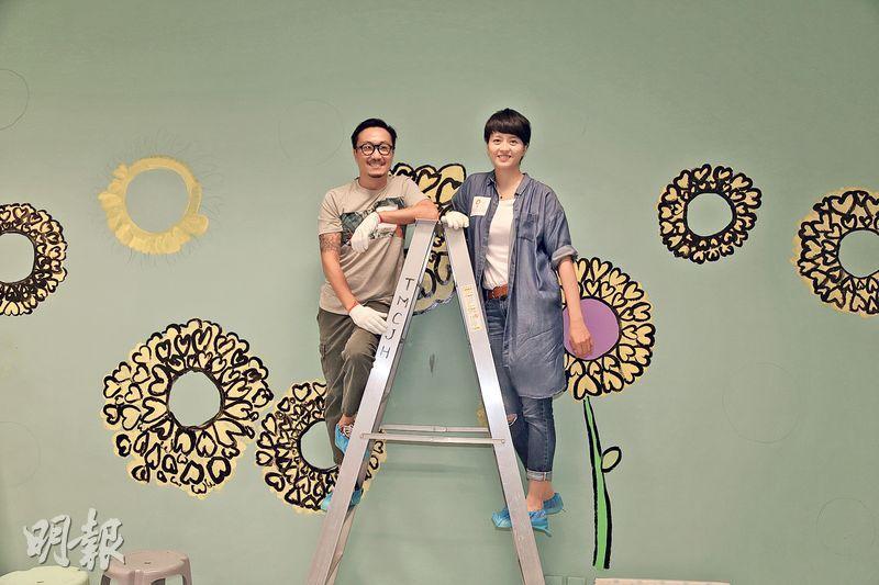 鄭中基(左)與梁詠琪(右)油壁畫時,會否趁機交流湊小朋友心得?