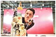 陳坤獲粉絲送贈一個相當趣致的陳坤生日蛋糕。(網上圖片)