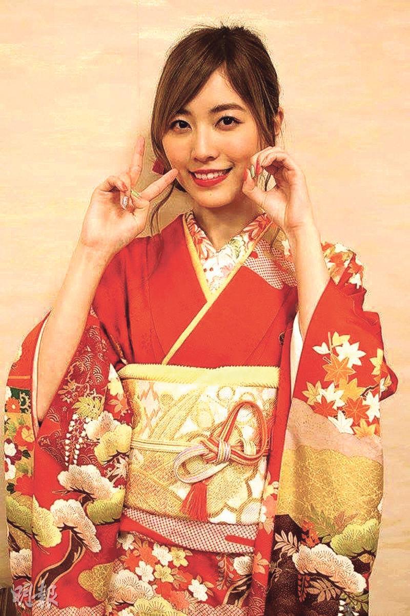 松井珠理奈加入AKB48家族已9年,理應是隊中成員的前輩,但今年才剛滿20歲。