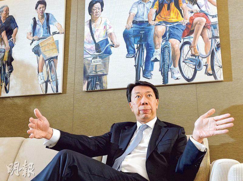渣打馬拉松踏入第21屆,渣打大中華及北亞區行政總裁洪丕正多年來,最難忘首屆比賽只有約1000人參與。(劉焌陶攝)