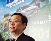 比亞迪董事長王傳福(圖)冀全年銷售14萬至16萬輛新能源車。(劉焌陶攝)