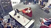 一批不明人等周三下午起闖入USG,佔據大廳及禁錮員工。(USG提供)
