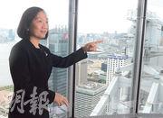 匯豐大中華行政總裁黃碧娟(圖)表示,不少投資者對人民幣資產感到興趣,匯豐日後可在費用收入方面多下工夫。(劉焌陶攝)