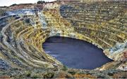西班牙「殺手湖」蘊藏超過8萬立方米的二氧化碳,成為當地一大威脅。(網上圖片)