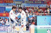 已奪銅牌的方凱申(左)在團體賽失準,雖有何施浩(右)爆發拉近比數,仍未能扭轉敗局。(鄭嘉慧攝)