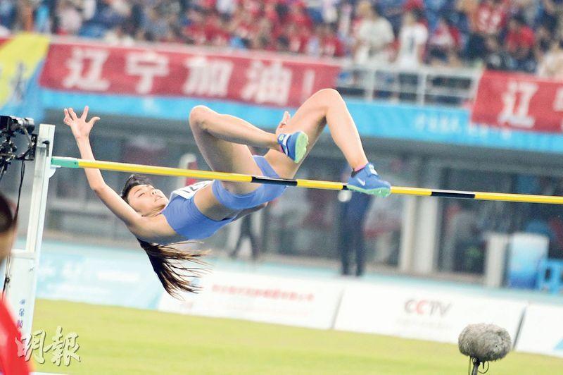 港隊「跳高少女」楊文蔚(圖)3次試跳1.87米失敗,與獎牌擦身而過,賽後自責未能平復興奮心情,盼亞室運捲土重來。(鄭嘉慧攝)