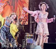 鄭融(左)與連詩雅(右)完成兩場演唱會大感不捨。(攝影/記者:楊安莉)