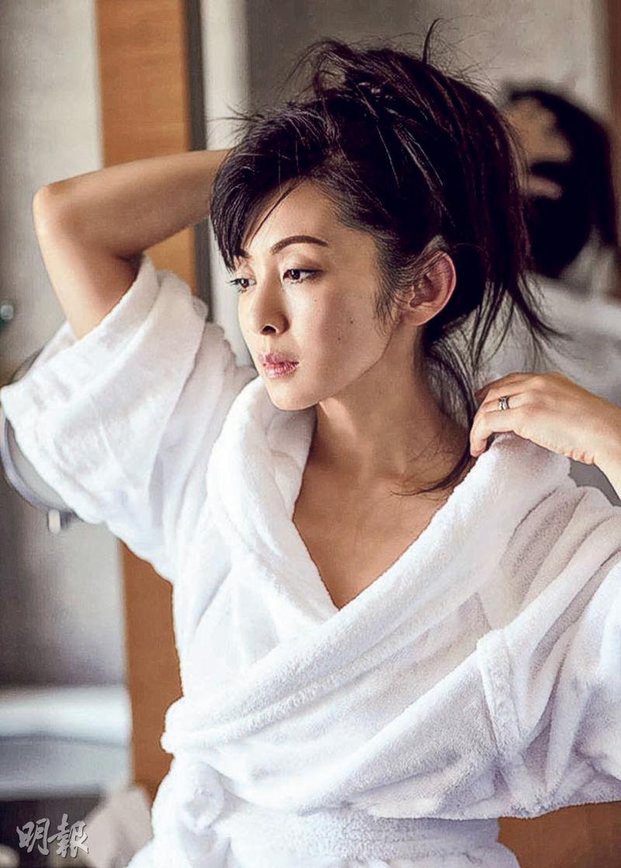齊藤由貴形象插水,她演出的《神奈小姐》上周收視跌至開播以來新低點。