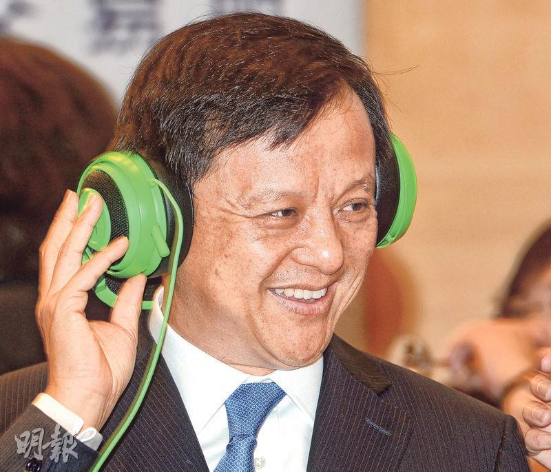 李小加昨日出席雷蛇上市儀式時表示,香港的上市土壤對新經濟股有吸引力,未來會更加努力豐富土壤營養。(劉焌陶攝)