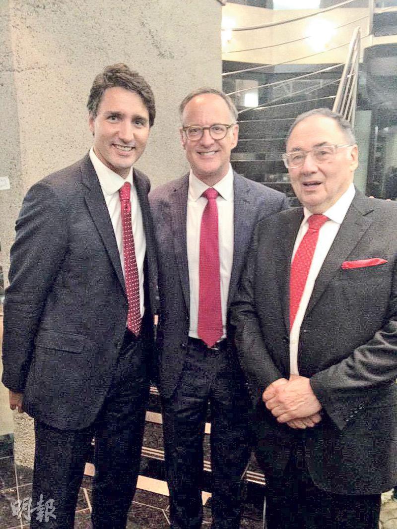 2015年8月猶太人慈善組織United Jewish Appeal再辦籌款活動,有加拿大總理杜魯多(左起)、自由黨國會議員奧利芬特和舍曼出席。(網上圖片)