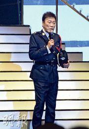 陳欣健換上制服登場,重提加入娛樂圈前曾任警司的點滴。(攝影:黃梓烜)