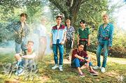 EXO原定上周四(21日)推出新專輯,但因為同門師兄鐘鉉突然離世,專輯才延期至前日推出。