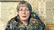 艾麗遜珍寧在《冰之驕女》飾演一個毒舌又對女兒嚴苛的媽媽。