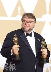 基拉莫狄多路奪得最佳導演及電影獎,是史上第3名墨西哥導演得此殊榮。(路透社)