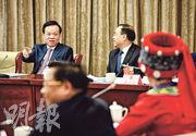 中央政治局委員、重慶市委書記陳敏爾(後排左)