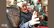 101歲的李銳指中國文化容易產生個人崇拜,對於修改憲法建議刪除國家主席任期限制,他說「習近平要搞終身制」。(明報記者攝)