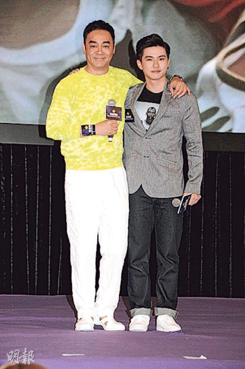 劉青雲(左)與原島大地(右)重逢,他以搭膊頭代替抱抱。(攝影﹕孫華中)