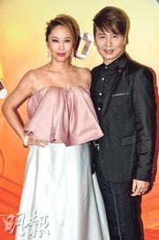 李樂詩(左)與蔡興麟(右)前晚錄影《流行經典50年》合唱一曲。(攝影﹕黃梓烜)