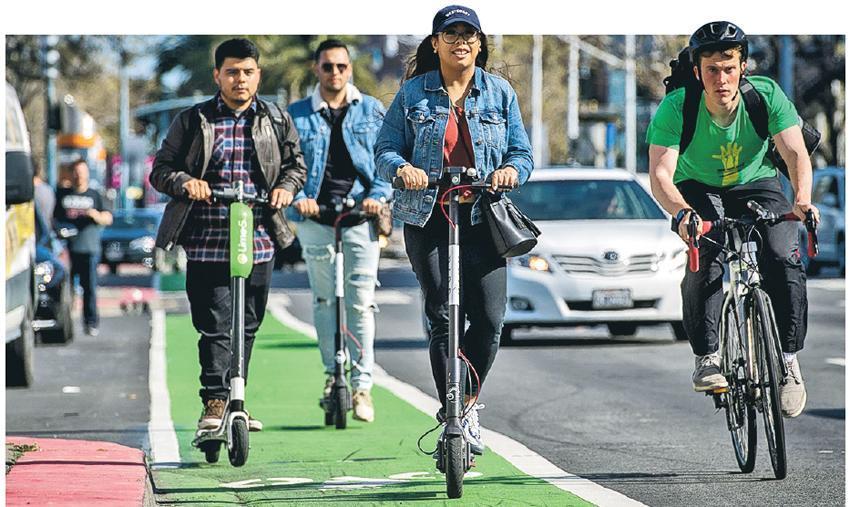 三藩市的共享電動滑板車衍生阻街等問題,惹來不滿,當局下令營業的公司停業改善。(網上圖片)
