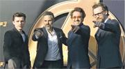 湯賀蘭(左起)、馬克路法奴、羅拔唐尼及湯希丹斯頓齊齊出席上海迪士尼樂園舉行的宣傳活動。(微博圖片)