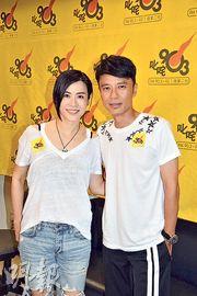 宣萱(左)與李克勤(右)老友鬼鬼。(攝影/記者:柯美)
