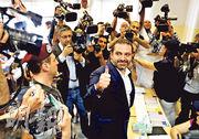 去年11月一度宣布辭職的黎巴嫩總理薩阿德(Saad al-Hariri)昨到貝魯特的投票站投票。他也是今次國會選舉的候選人。(路透社)