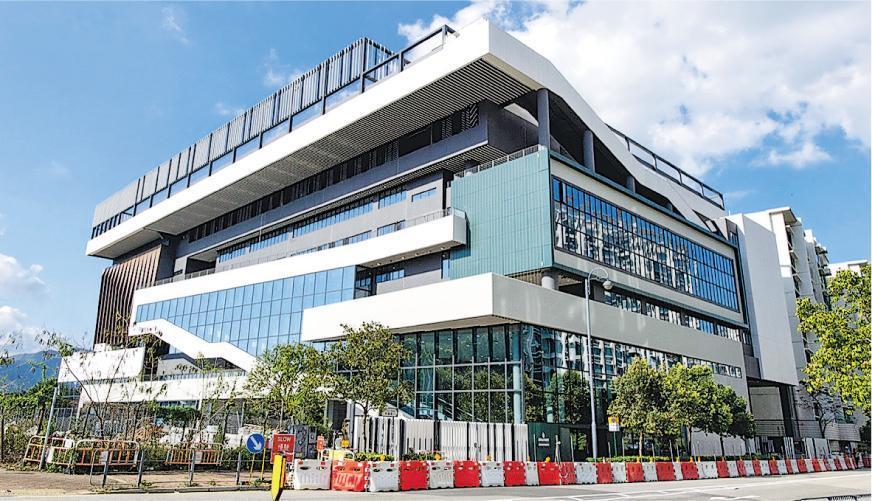 香港墨爾文國際學校校舍(圖)鄰近香港科學園,樓高7層,樓面面積26,000平方米,新校料於今年8月開課,教授IB課程。(受訪者提供)