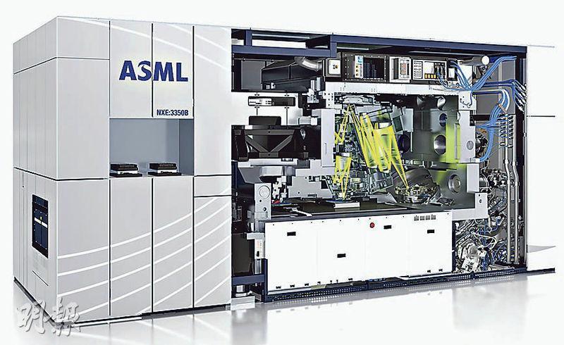 台積電計劃在7納米升級版上亦試用荷蘭阿斯麥生產的EUV極紫外光刻機(圖)。(網上圖片)