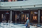 三亞海棠灣國際免稅城號稱「全球最大單體免稅店」,匯聚國際頂級品牌最多、檔次最高的免稅購物主題商城,目前有近350個國際品牌進駐。(李泉攝)
