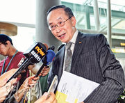 升降機及自動梯安全諮詢委員會主席潘樂陶,本身為安樂工程集團執行董事兼主席,集團去年在升降機及自動梯業務的總收入達約2.35億元。(郭慶輝攝)