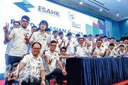首支電競港隊昨首度亮相,一共17名選手,今起將與日韓等地選手爭東亞區出線資格,以出戰8月的印尼雅加達亞運會示範賽。(曾憲宗攝)