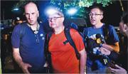 英國潛水專家斯坦頓(左)、哈珀(中)和沃朗森(右)被派到泰國加入搜救,最終斯坦頓和沃朗森成功在洞穴發現被困多日的12名球員及一名教練。(法新社)