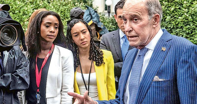 白宮經濟顧問庫德洛(右一)認為,習近平不想與美方達成貿易協議。(資料圖片)