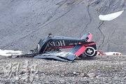 出事的古董飛機墜毁在瑞士山區,機上20人全部死亡。(法新社)