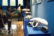 深之藍開發的消費級水下無人機(圖),吸引媒體關注。據指該產品已打開歐美日澳市場。(鄭海龍攝)