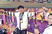 單車隊摘下3金4銀1銅,總教練沈金康(圖)在煞科日獲徒弟掛上8面獎牌,曬冷照盡顯氣勢。(鄭嘉慧攝)