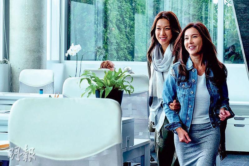 李婉華(右)復出與另一靚媽鍾嘉欣(左)演好姊妹,令觀眾期待。