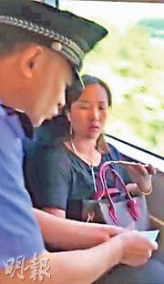 9月19日永州至深圳北G6078班次高鐵,一名女子執意霸佔窗邊位置,後來被罰款200元兼禁搭火車半年。(資料圖片)